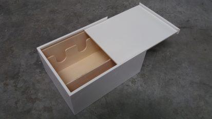 Lakken houten verpakkingen kunstobjecten in opdracht van TOYKYO.BE